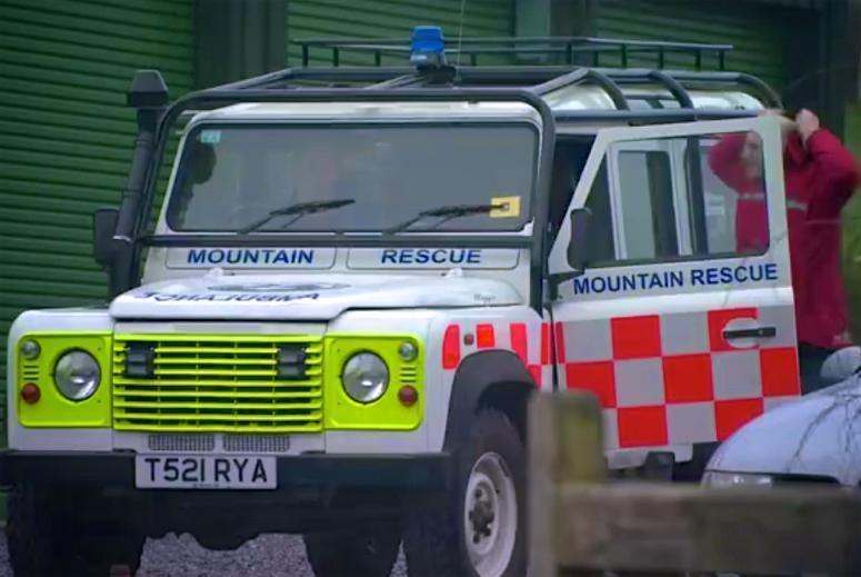 Please spare a thought for the 16 DSRT Ashburton members who are driving to York right now to assist with flood recovery work. Please also think of their families and friends whose sacrifice often gets missed. The search and rescue teams from Dartmoor, Exmoor and Cornwall are all supporting this effort to respond to flooding alongside team members from many mountain rescue teams nationwide