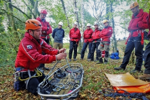 Dartmoor Search and Rescue Ashburton attend LIBOR funded rope rescue training