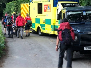 Dartmoor Rescue handover casualty to Southwest ambulance crew